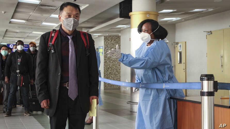 قدوم رحلة ركاب من الصين إلى كينيا