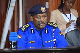 المفتش العام للشرطة يأمر باعتقال من يتجولون من دون قناع الوجه في الأماكن العامة