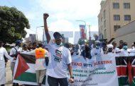 المسلمون في كينيا يتظاهرون ضد اعتداءات إسرائيل على الأراضي المحتلة