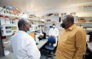 الرئيس أوهورو يدعو إلى تكثيف الحرب ضد الملاريا في إفريقيا